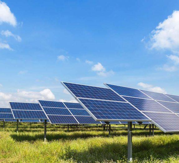 Le parc solaire français va s'agrandir de 80 MW grâce au contrat d'achat d'électricité (CPPA) signé le 10 mars entre Orange et Total.