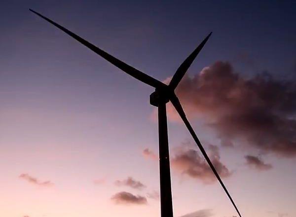 Une seule rotation de cette éolienne fournit de l'électricité à un foyer pour deux jours