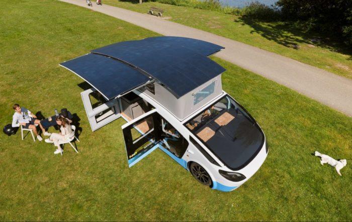 Ce camping-car à énergie solaire peut parcourir 731 kilomètres d'une traite