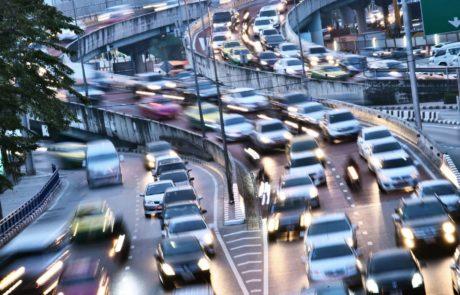 On pollue plus en ville à 30 km/h qu'à 50 km/h